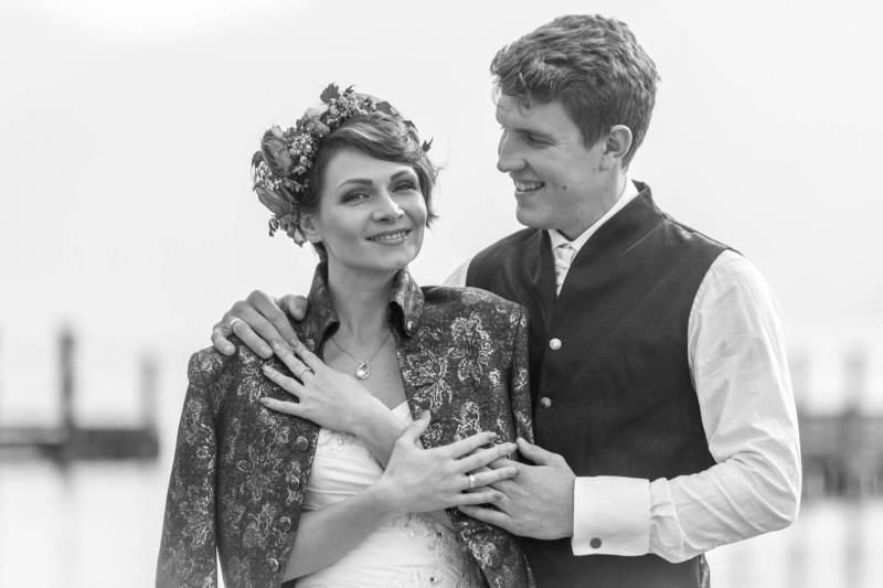Hochzeitspaar in Schwarz-Weiß