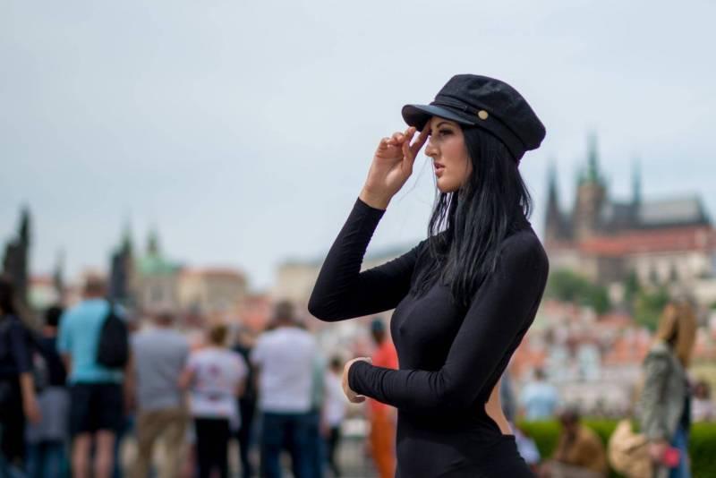 Goodbey-Prag-Portrait-Model-Frau