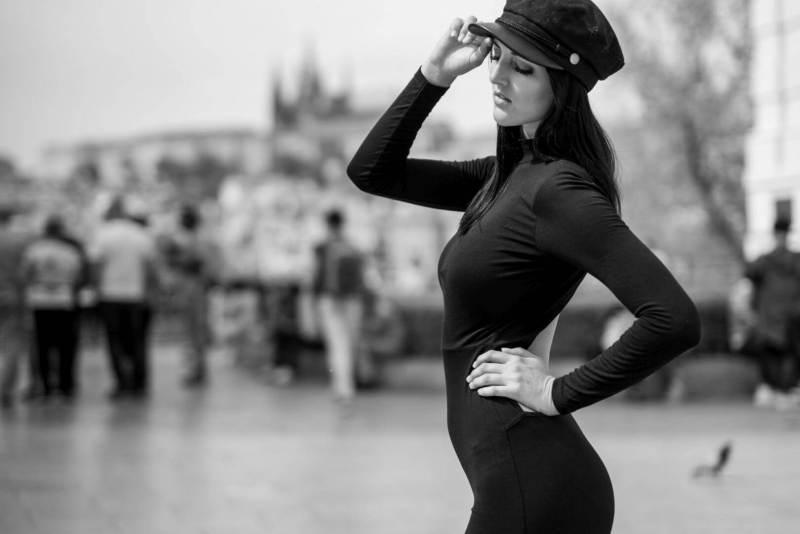 Hello-Prag-Portrait-Model-Frau