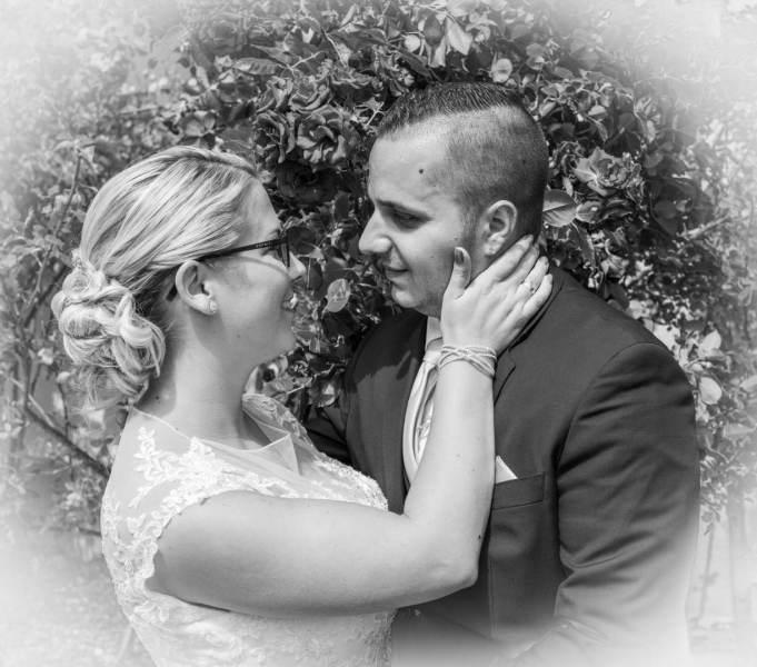 Das Brautpaar in Schwarzweiß